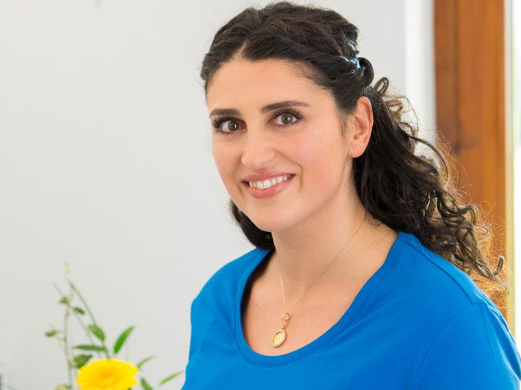 Esma Celik, Medizinische Fachangestellte